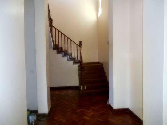 4 bedroom townhouse for rent in Karen image 3