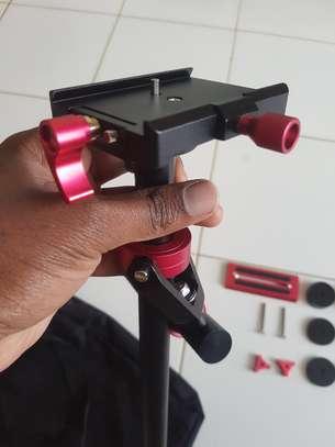 Neewer Camera Stabiliser image 4