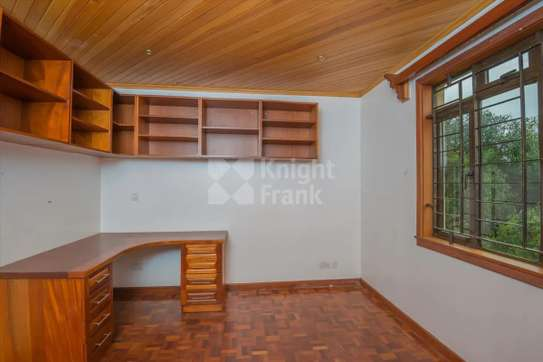 Stunning 5 Bedroom Townhouse to rent in Lavington image 3