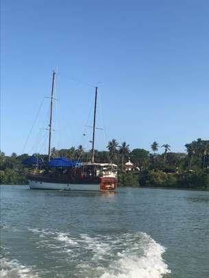 yacht for sale image 13