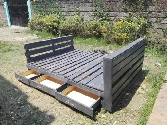 pallets bed