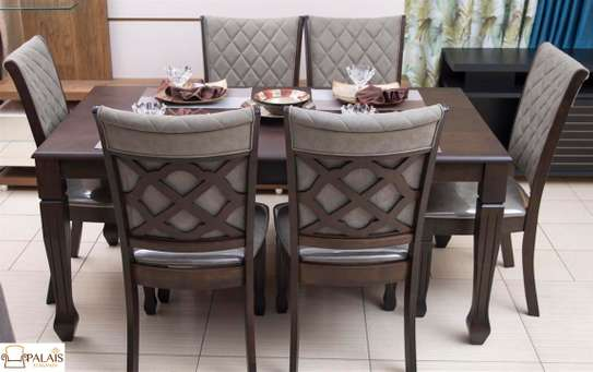 Machpelah Dining Table 6 Sitter