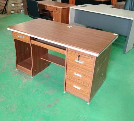 1.4 meters desk image 1