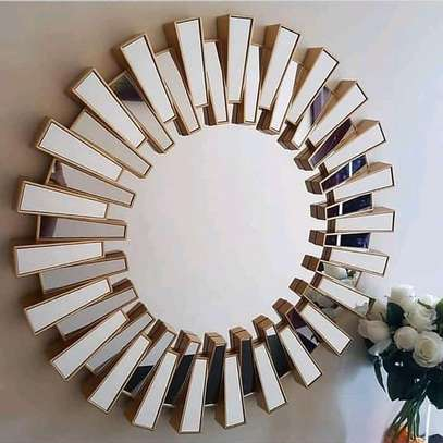 Decor mirror image 1