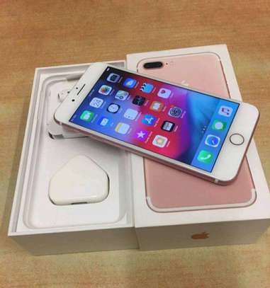 Apple Iphone 7 Plus - 256 GB - In Mint Condition image 2