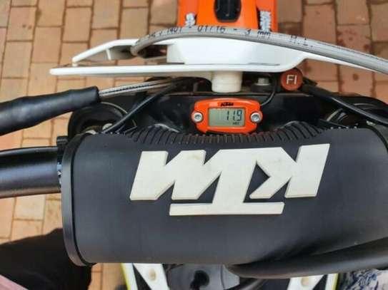 KTM 350 SXF 2017 (11 hours on clock) dirt motorbike image 5