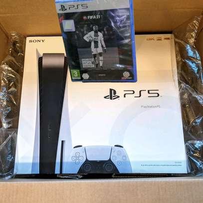 PS5 New plus FIFA 21 image 2