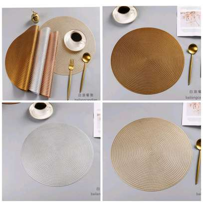 6 PC's Pretty table mats image 1