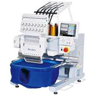 High quality single head embroidery machine Multi - needle multi - color embroidery machine image 1
