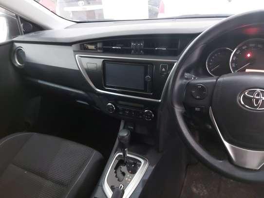 Toyota Auris image 3