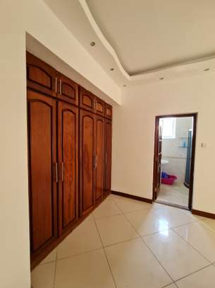 Furnished 3 bedroom apartment for rent in Nyali Area image 9
