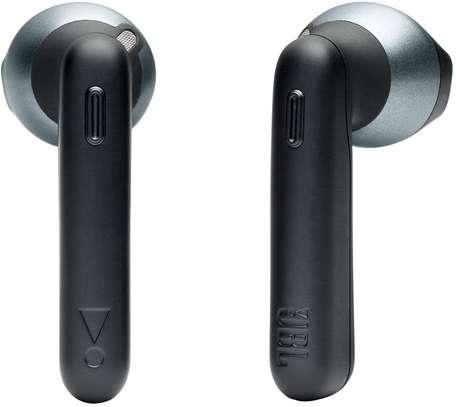 JBL TUNE 220TWS - True Wireless in-Ear Headphone image 1