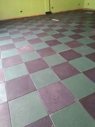 gym/rubber tiles image 2