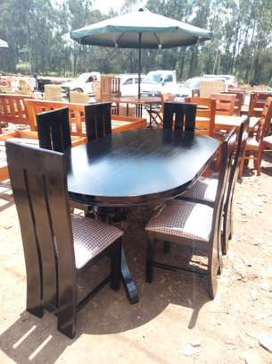 Oval 6 Seater Dinning Table