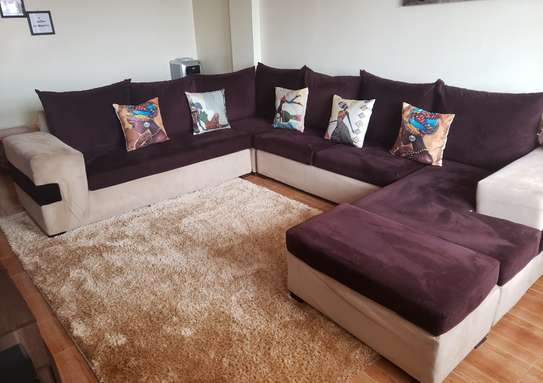 U shaped 8seater sofa image 4
