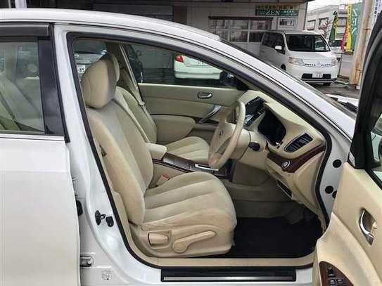 Nissan Teana image 8