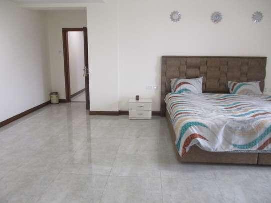 Furnished 3 bedroom apartment for rent in Kilimani image 13