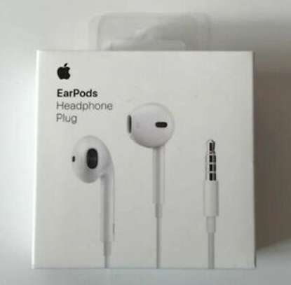 Apple Earpods With 3.5mm Headphone Plug image 6