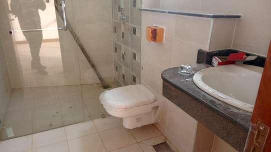 Luxurious sea view apartments to rent at nyali Mombasa Kenya image 5