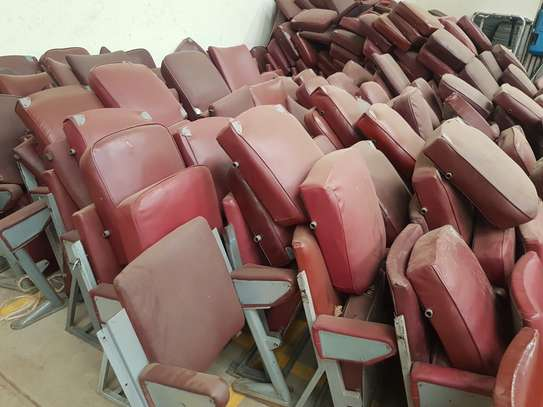 375 Folding Theatre Seats/Chairs image 3