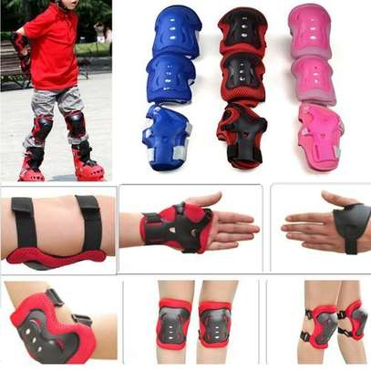 Kids Child Skating Support Protection Gear Set Wrist Guard Elbow Pads Knee Pads- Red image 1