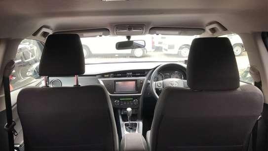Toyota Auris image 12