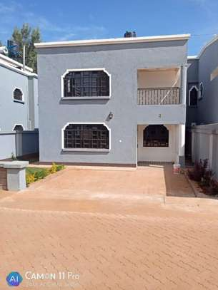 4 BEDROOMS, TOWNHOUSE THINDIGUA TO LET: 90K image 1
