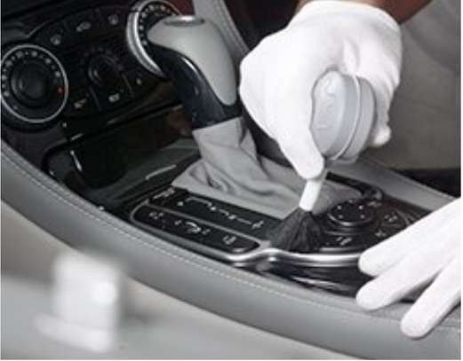 Professional auto Cleaning service image 7