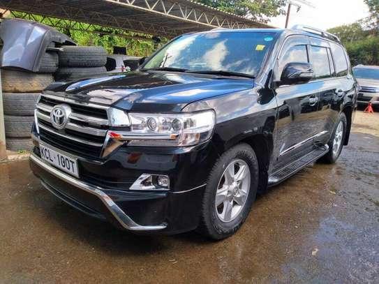 Toyota Land Cruiser image 1