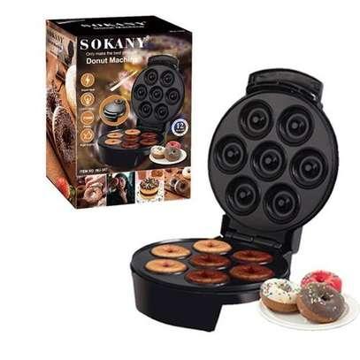 Sokany 7 pieces Donut Maker image 1