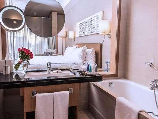 Lavington - Flat & Apartment image 12