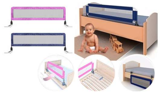 Kids Bed guard/ bed rail image 3