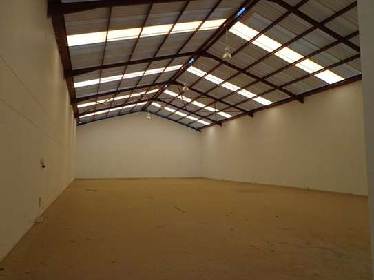 6500 ft² warehouse for rent in Mombasa Road image 8