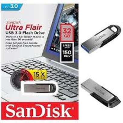 32 GB SANDISK ULTRA FLAIR USB 3.0 image 1
