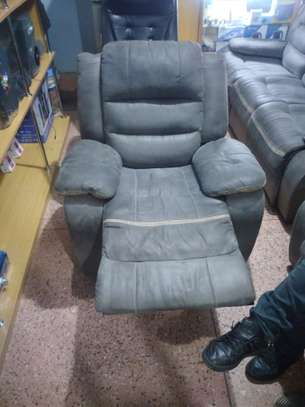 Comfortable chairs image 2