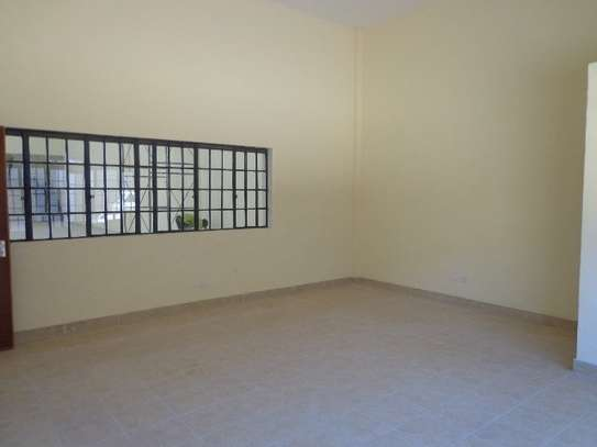 10588 ft² warehouse for rent in Embakasi Estate image 7