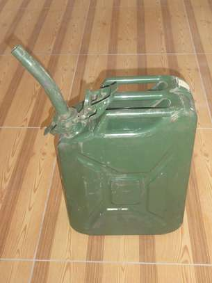 20L Metal Jerry Can With Nozzle