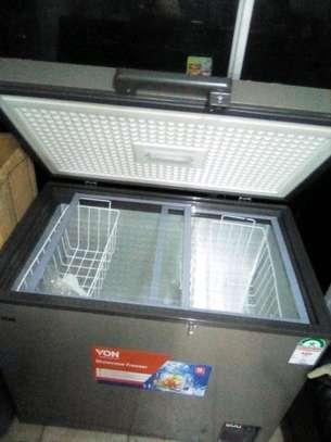Von Hotpoint Showcase Freezer image 1