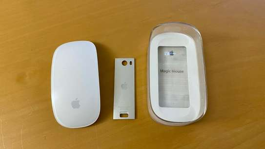 Genuine Apple Magic Mouse (MB829LL/A) Bluetooth Wireless A1296 image 1