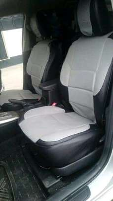 Central car seat covers image 3