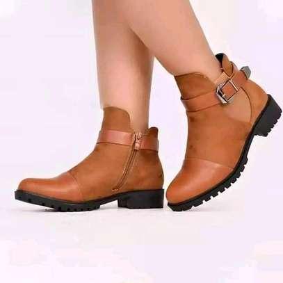 Ladies shoes image 2