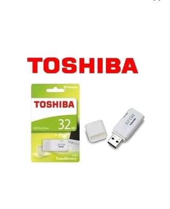 Highspeed Toshiba USB Flashdisk - 32GB White image 1