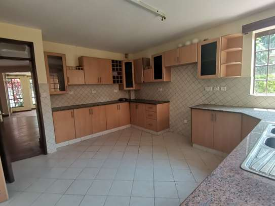 CLEAN AND SPACIOUS 5BEDROOM TOWNHOUSE WITH DSQ image 10