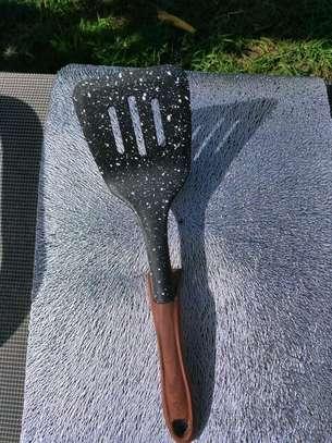 Non stick spoon image 4