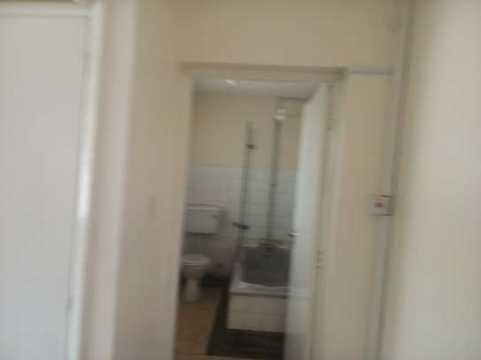 4 bedroom townhouse for rent in Rhapta Road image 5