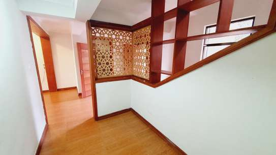 5 bedroom house for rent in Lavington image 14