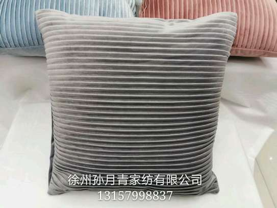 pillow image 5