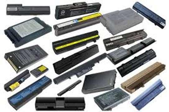 laptops batteries image 1