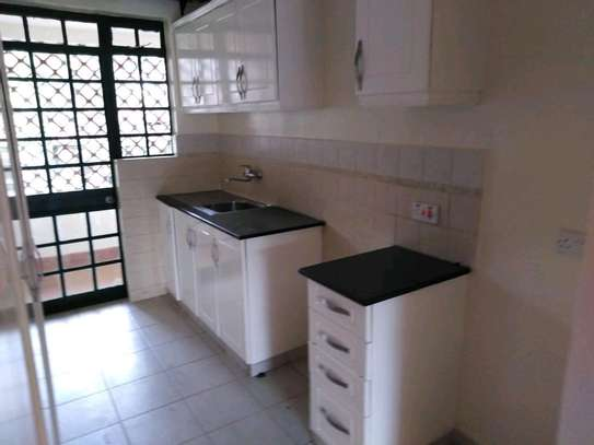 2 bedroom executive apartment for rent in Kileleshwa image 4