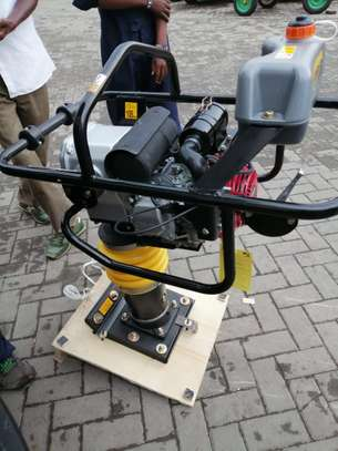 BRAND NEW TAMPING RAMMER WITH A HONDA ENGINE. image 1